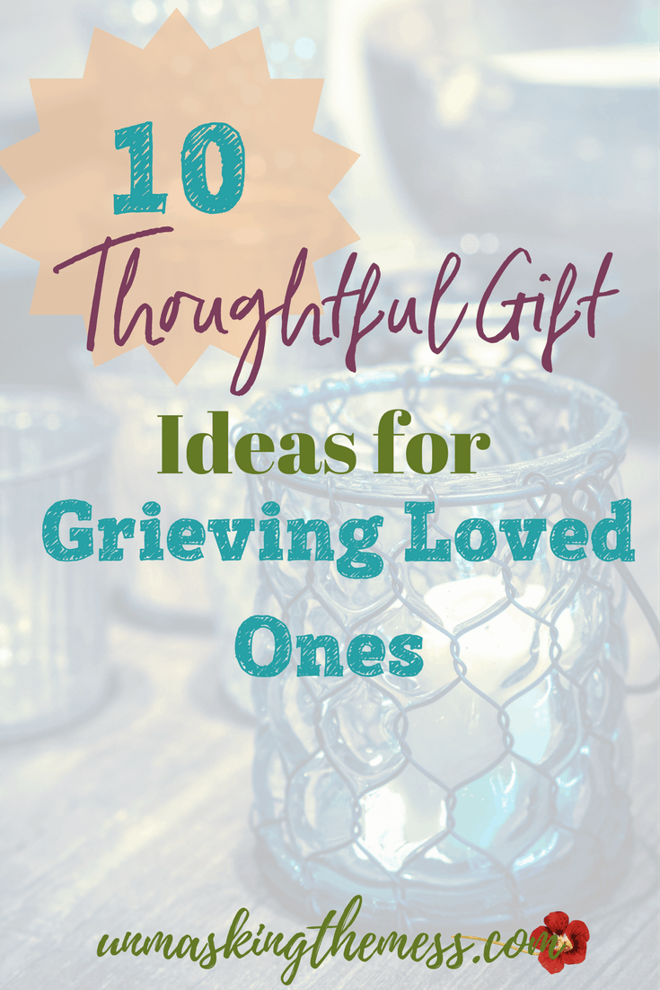 10 Thoughtful Gift Ideas for Grieving Loved Ones.How to give hope when losing a loved one. What a better time to give Hope when losing a loved one. They are hurt and grieving, however, God promises that He is close to the brokenhearted. #giftsforlossoflovedone #memories #sympathy